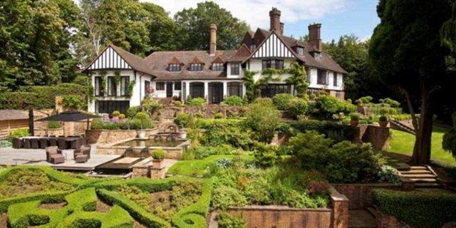 Dünyaca ünlü rock sanatçısı John Lennon'ın villası satılıyor-4