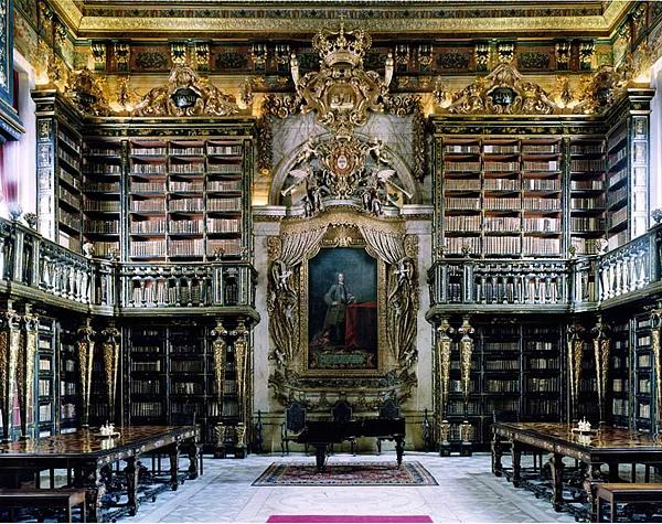 Farklı mimari konsepte sahip kütüphaneler-11
