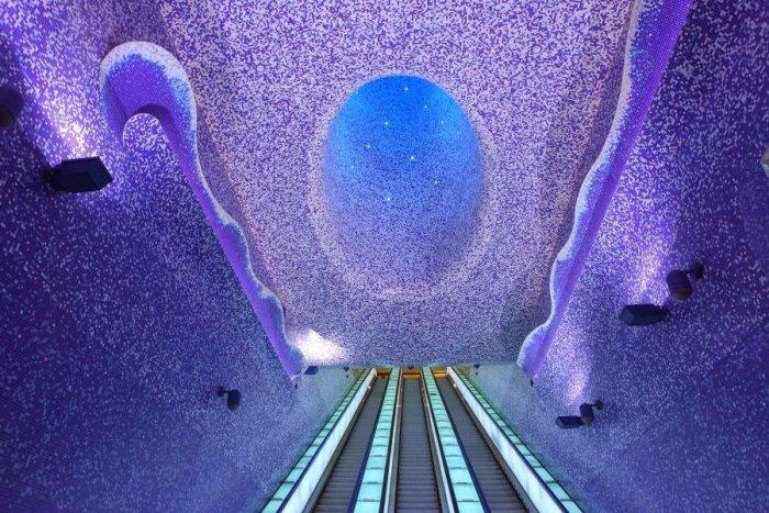 Dünyanın en güzel metro istasyonları-3