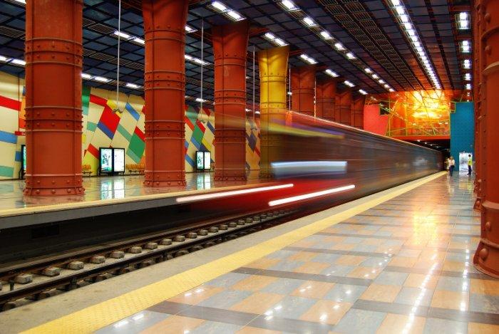 Dünyanın en güzel metro istasyonları-9