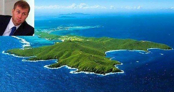 Adası Olan 15 Ünlü-5