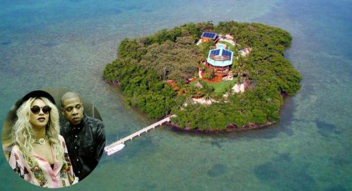 Adası Olan 15 Ünlü-10