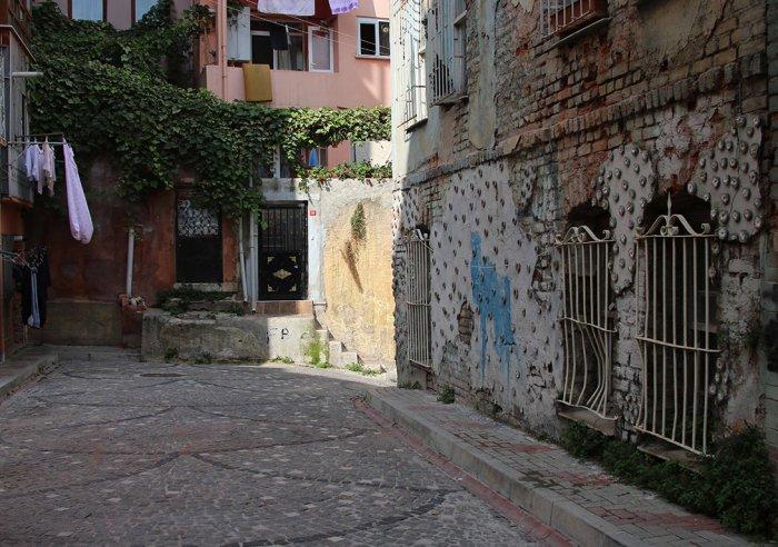 Balat'ta duvarlara çiçek açıyor!-4