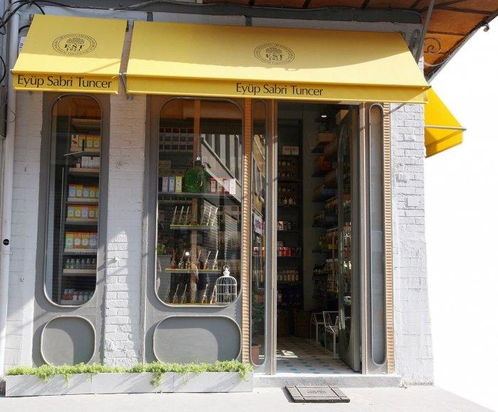 Eyüp Sabri Tuncer İstanbul'daki ilk mağazasını Karaköy'de açtı!-1