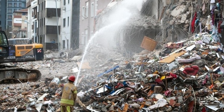 Malatya'da depremden sonra toplu yıkım kararı