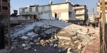 Mersin'de bina çöktü: Dikkat faciayı önledi