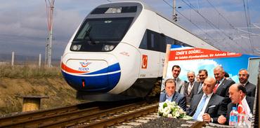 Ankara-İzmir YHT için imzalar atıldı