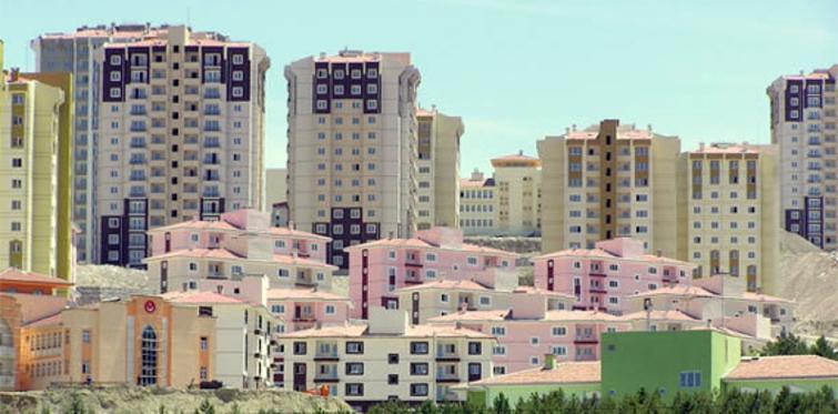 TOKİ evleri büyütüyor