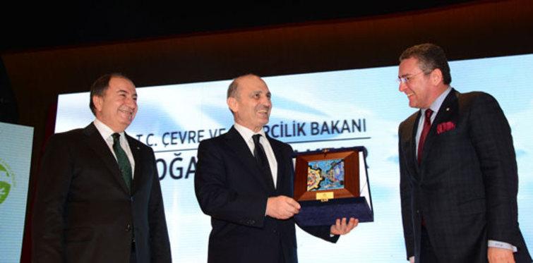 Erdoğan Bayraktar'dan sanayicilere destek çağrısı