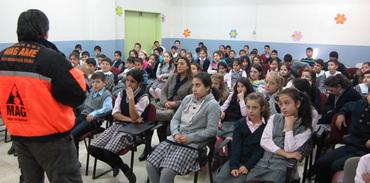 Mahalle Afet Gönüllüleri istanbul'da afet bilinci eğitimi veriyor