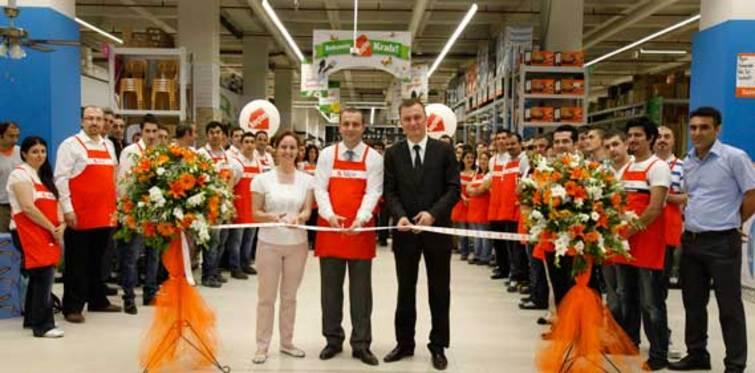 Koçtaş 39'uncu mağazasını Vialand AVM'de hizmete açtı
