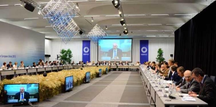 Bayraktar Avrupalı Bakanlara iklim değişikliğini anlattı