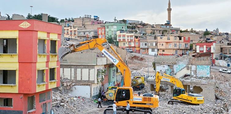 17 Ağustos'ta binalar bu kez dönüşüm için yıkılacak
