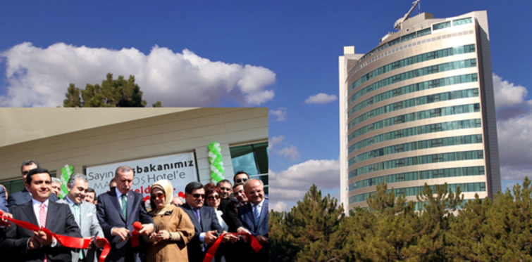 Başbakan Erdoğan Makissos'da Gönül Dağı'nı söyledi