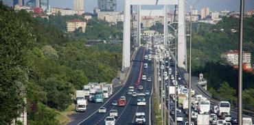 Boğaziçi Köprüsü'nde trafiğe Golf vuruşu