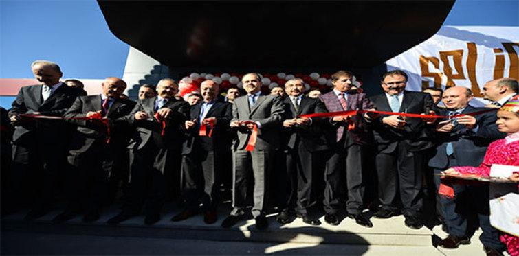 Mustafa Öncel Kültür ve Spor Kompleksi açıldı
