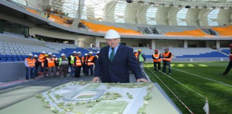 Kadir Topbaş Başakşehir Stadyumunu inceledi