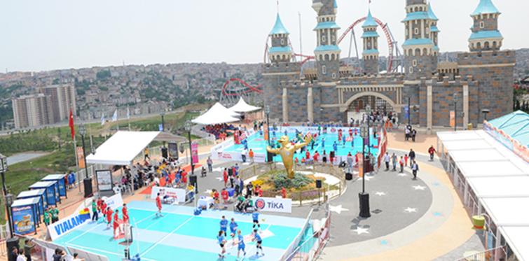 Vialand'da Balkan Çocuk Festivali düzenlendi