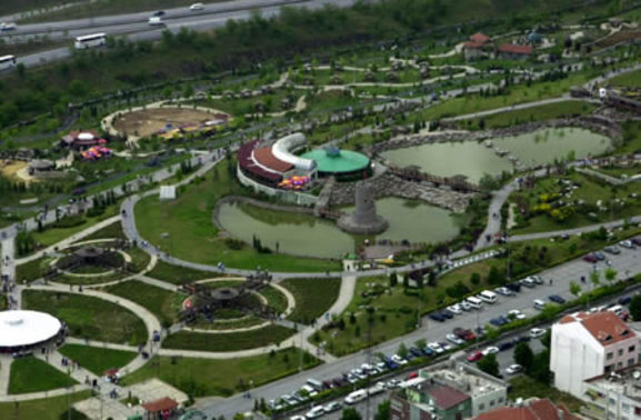 Bayrampaşa'da 2 milyon 683 bin 351 TL'ye satılık bina