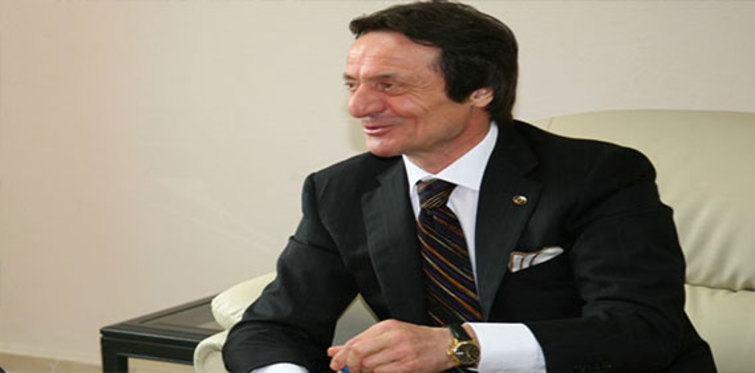Ahmet Naif Zorlu kimdir?