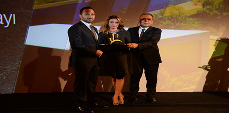 Uniq İstanbul Sign of the City Awards'den ödül ile döndü