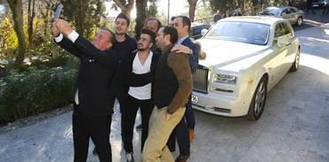 Ali Ağaoğlu,  Sosyal Medya Fenomenleriyle Buluştu