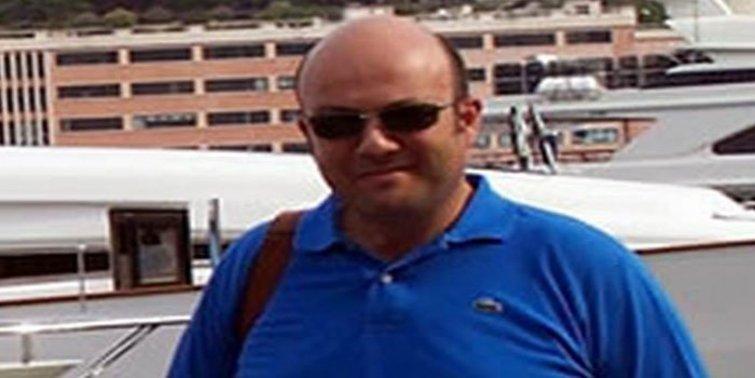 Ahmet Sayar kimdir?