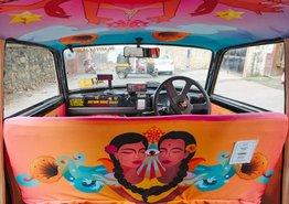Hindistan'da Taksileri Sanat Eserine Çeviren Tasarımcılar