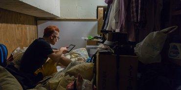 Tokyo'da küçücük odalarda yaşayan gezginler