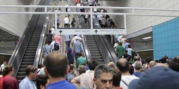 """Mega projenin """"yürüyemeyen"""" merdivenle imtihanı"""