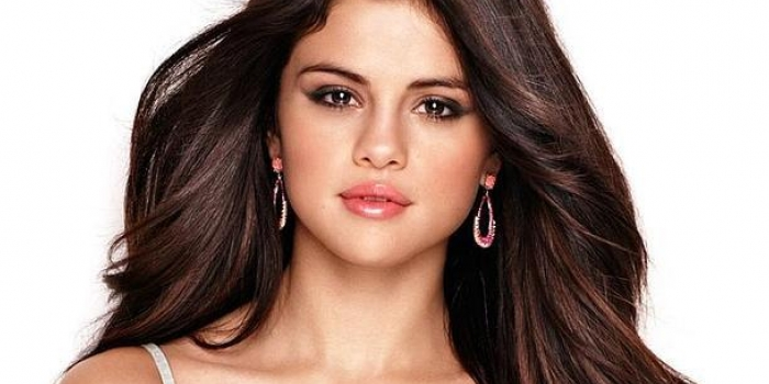 Selena gomez ev