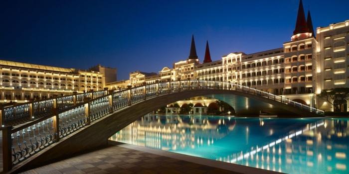 Mardan Palace Otel'in sahibi kim?