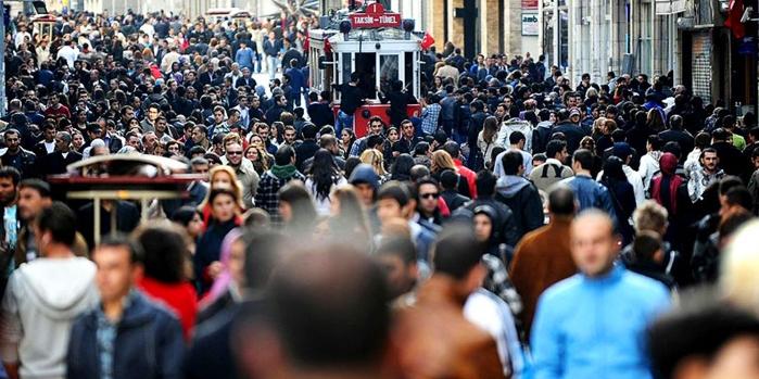 İstanbul'un nüfus yükü Türkiye'yi katladı