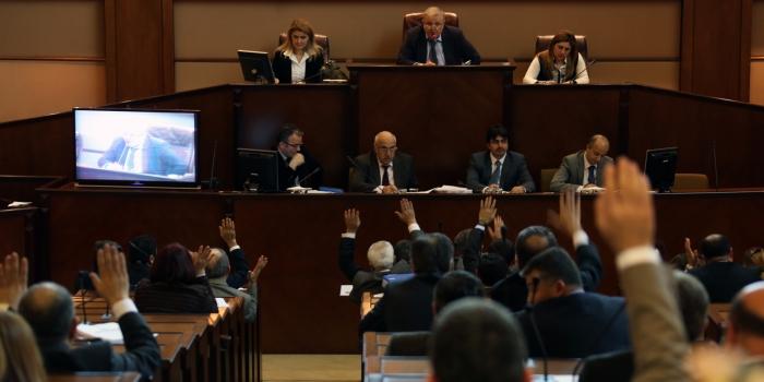 """İBB'de, Yassıada'nın adı """"Yamyassı Ada"""" olsun tartışması"""