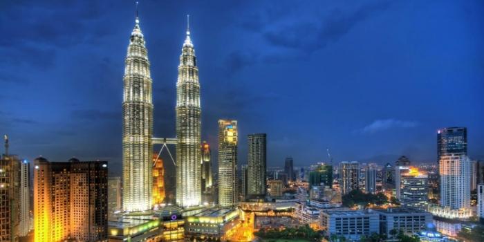 Petronas: Dünyanın en yüksek ikiz gökdeleni