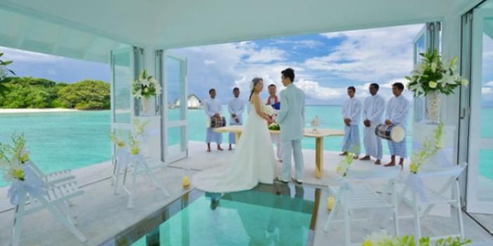 Hint Okyanusu'nun ortasında düğün