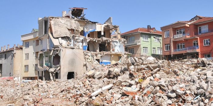 Riskli binalarda oturan kişi sayısı 1.5 milyon