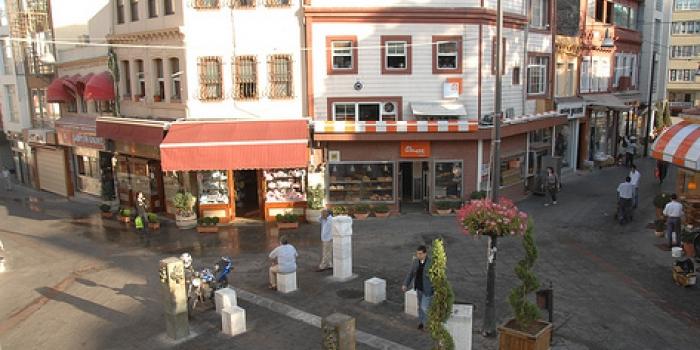 Tarihi Kadıköy Çarşısı esnafını kira yasası bitirdi