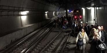 Marmaray yolcularına uyarı: Tren yine raydan çıkabilir