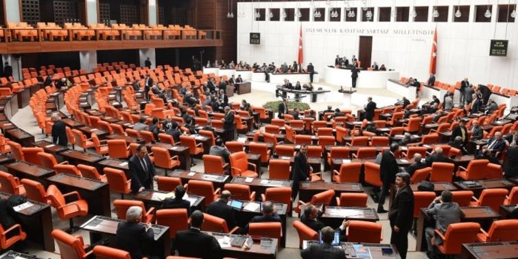 Meclis'ten Sur, dönüşüm ve Kanal'lı torba yasa geçti