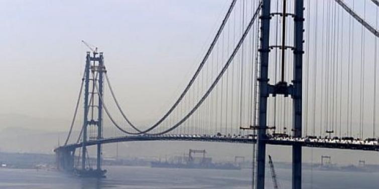 İzmit Körfez Geçiş Köprüsü'nde iki yaka birleşti