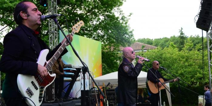 Kasaba MFÖ konseri ile yazı karşıladı