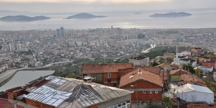 Sur: Kent nüfusunun 3'te 1'i çöküntü bölgelerinde yaşıyor