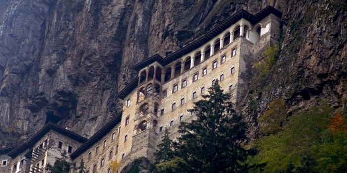 Sümela Manastırı Efsanesi