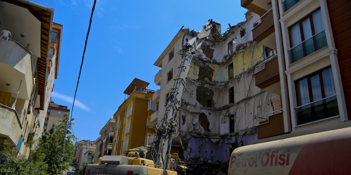 Maltepe'de inşaatlara 'Pazar' yasağı geldi