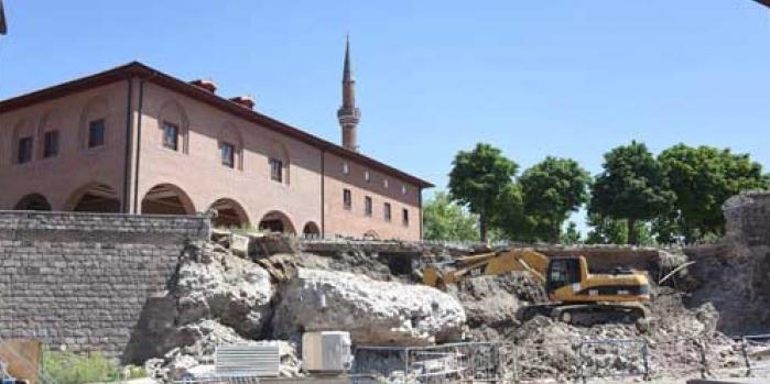 Ankara Büyükşehir Belediyesi'nden tartışmalı yıkım