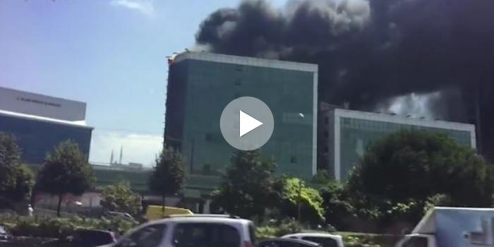 İstanbul'da bir iş merkezi yanıyor!