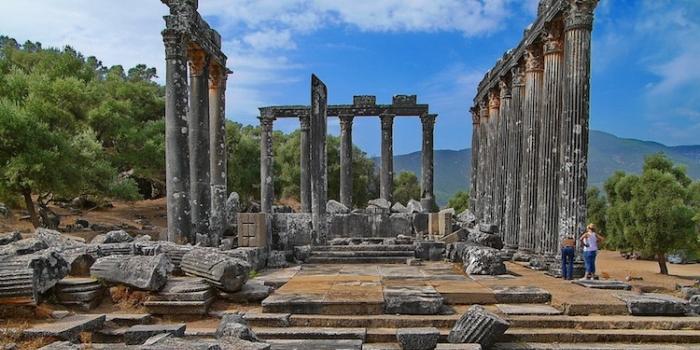 Euromos antik kenti kazı başkanı yrd. doç. dr. abuzer kızıl