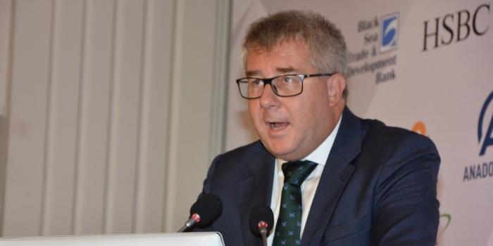 AB Parlamentosu Başkan Yardımcısı: Müzakereler hemen başlamalı