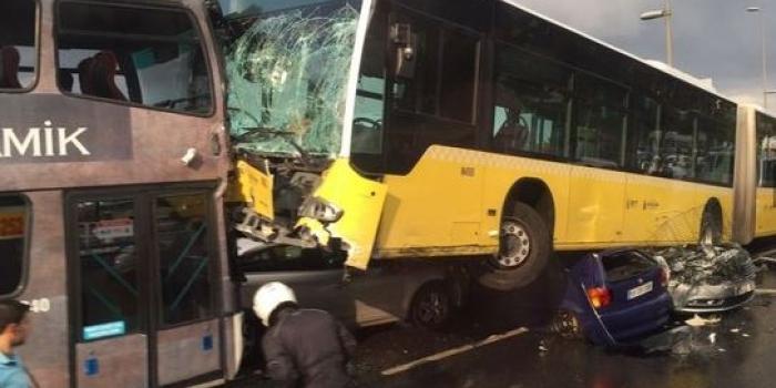 Metrobüste kaza